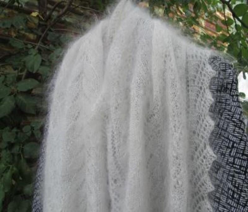 Шарф ажурный белый пуховый