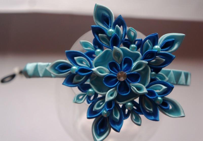 Аксессуар для волос Снежинка сине-голубая