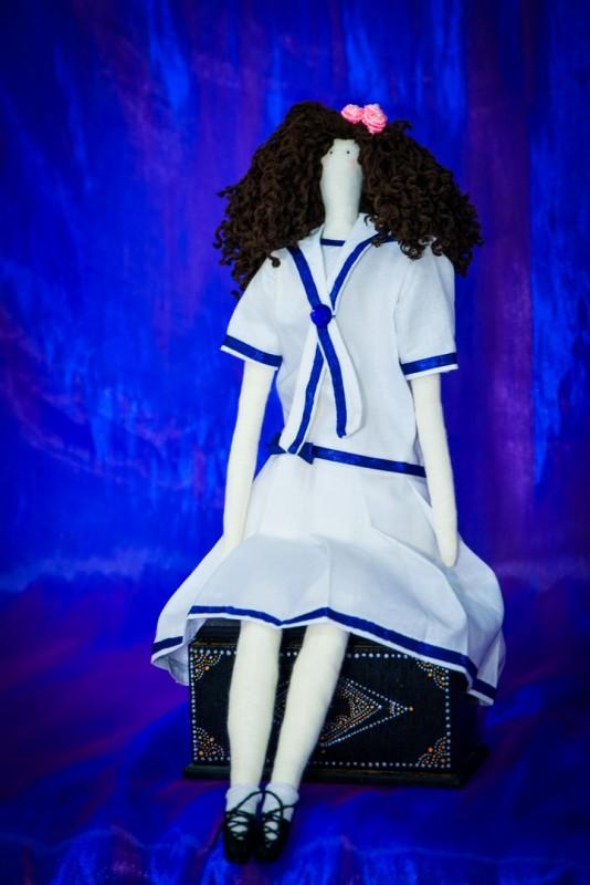 Текстильная кукла Белла.