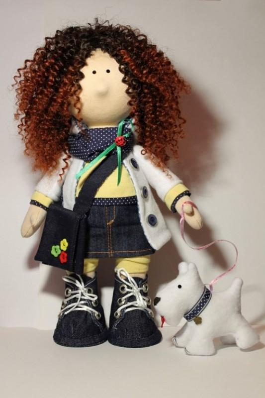 Текстильная кукла Саша. Представлена для примера