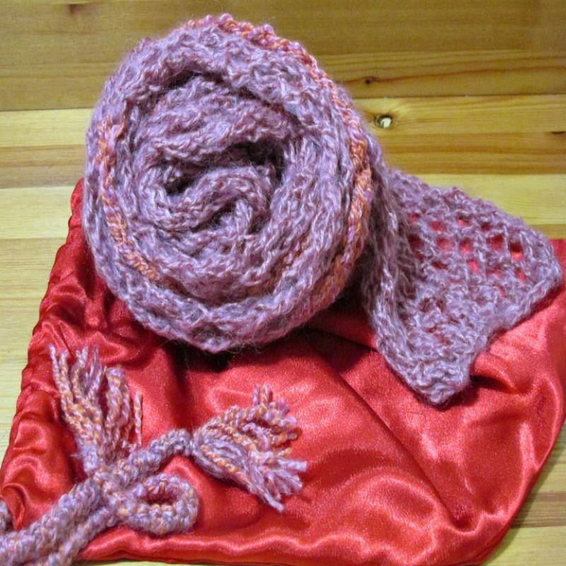 Вязаный шарф розовая нежность