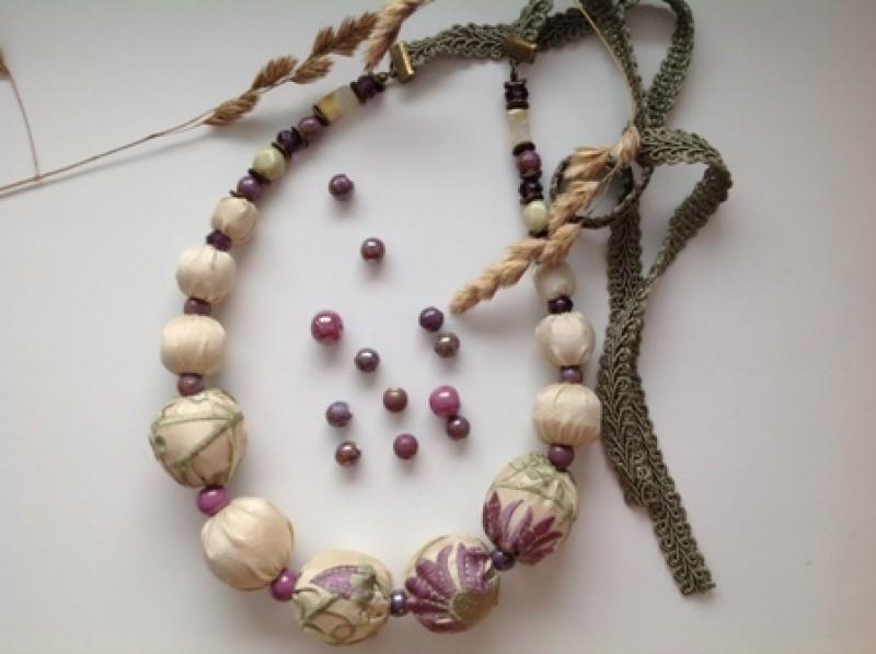 Текстильное колье Прованский цветок