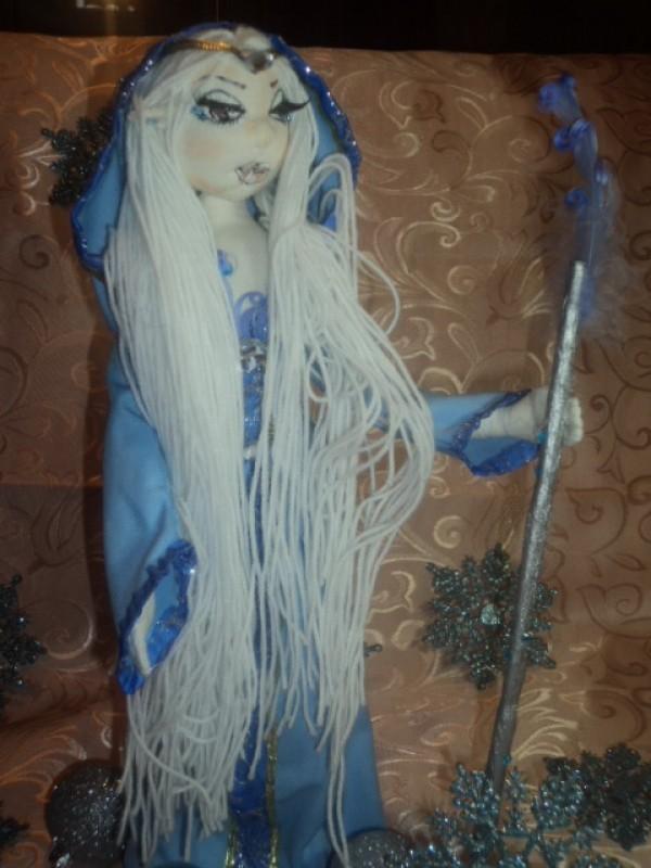 Кукла Эльфийская зимняя королева.