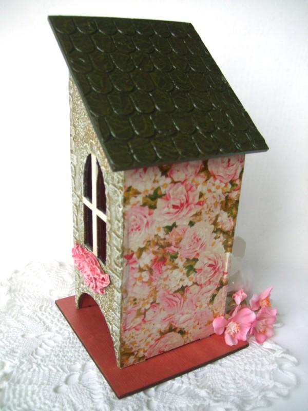 Чайный домик В плену у роз.