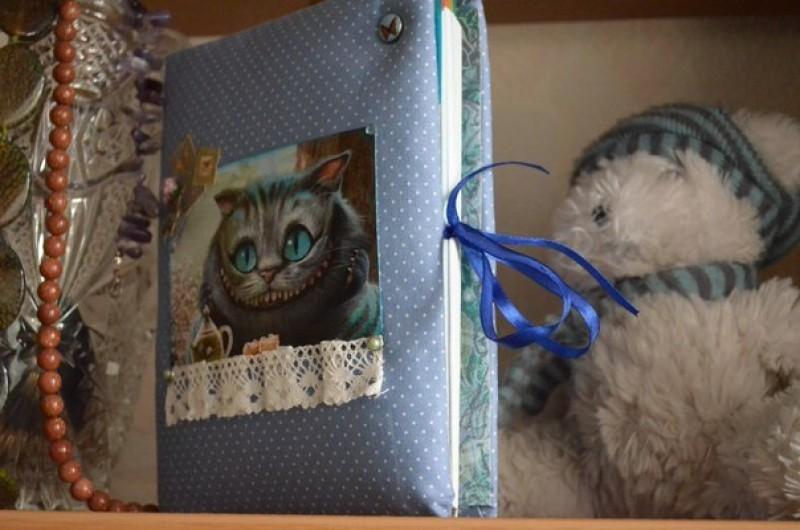 Тетрадь на кольцах  Чеширский кот