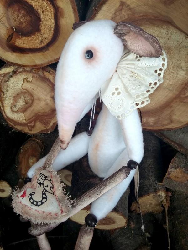 Белый Мышь