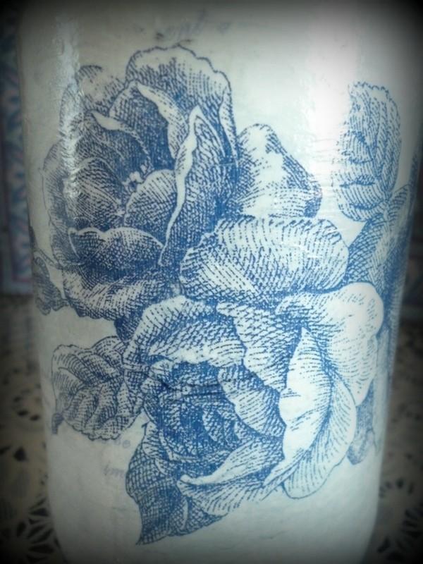 Розы цвета индиго