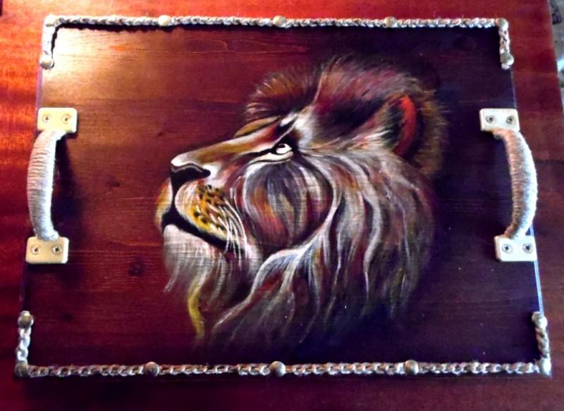 Поднос Лев