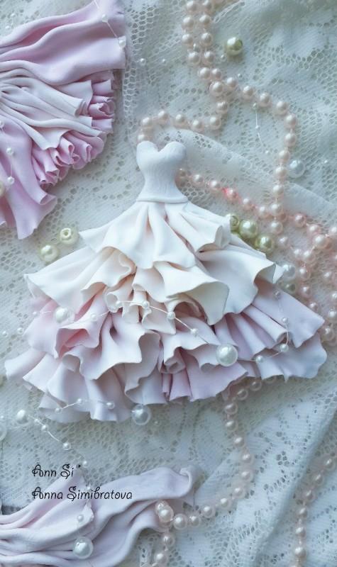 Магнитики - свадебные платьица из полимерной глины