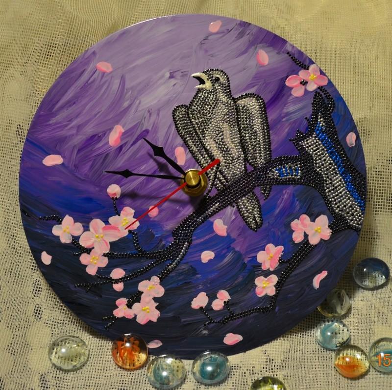 Часы настенные Птица на ветке сакуры