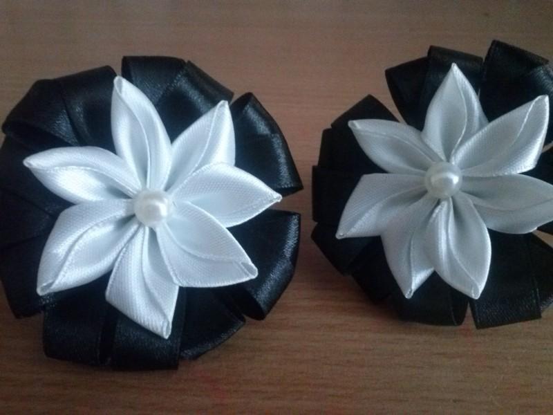 Резинки для волос в черно-белом