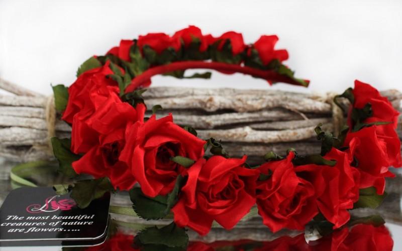 Ободок-веночек «Алые розы»