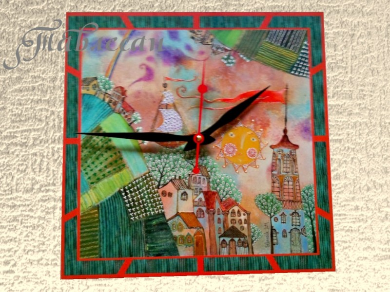 Настенные часы Солнце, башня, алый стяг. Тик-так, тик-так