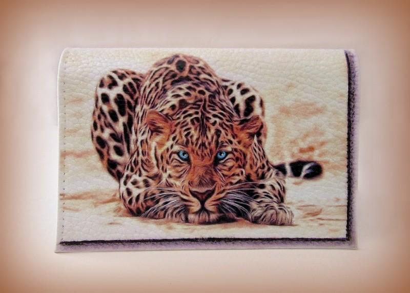 Кожаная обложка на паспорт  Дикая кошка НА ЗАКАЗ.