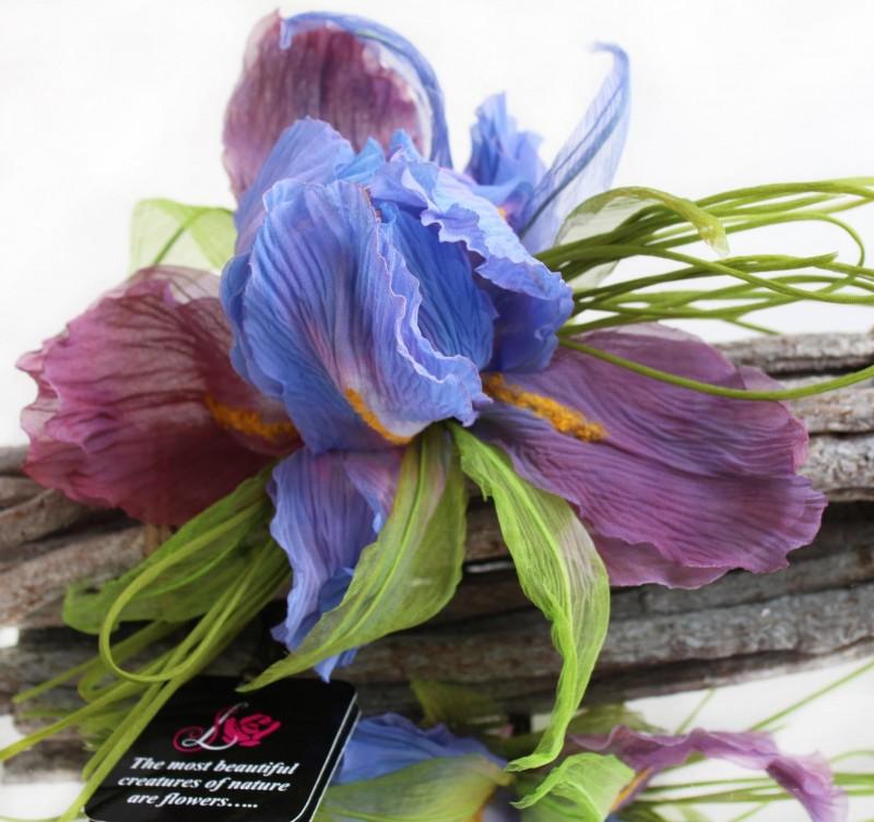 Брошь цветок Ирис «Волшебный». Цветы из ткани.