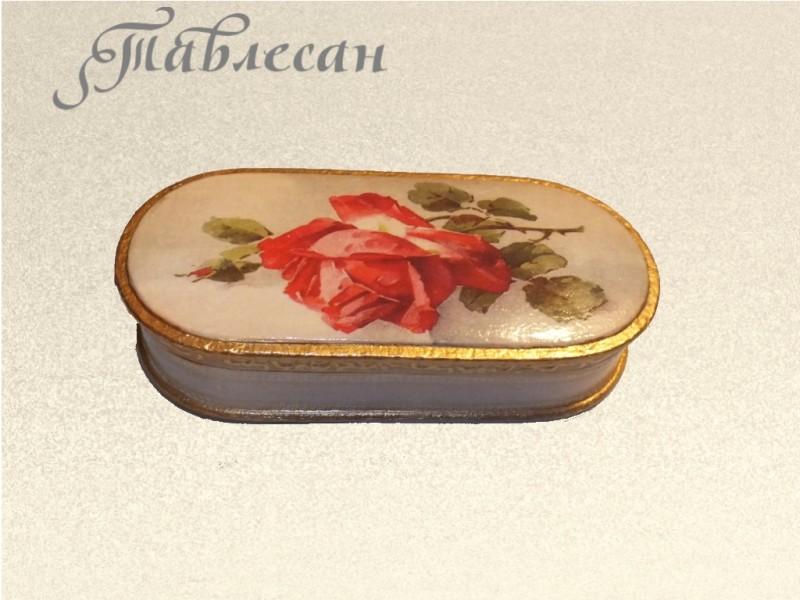 Шкатулка - очечник  винтажная Красная роза декупаж