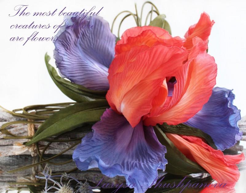 Брошь-цветок Ирис «Пламя души». Цветы из ткани