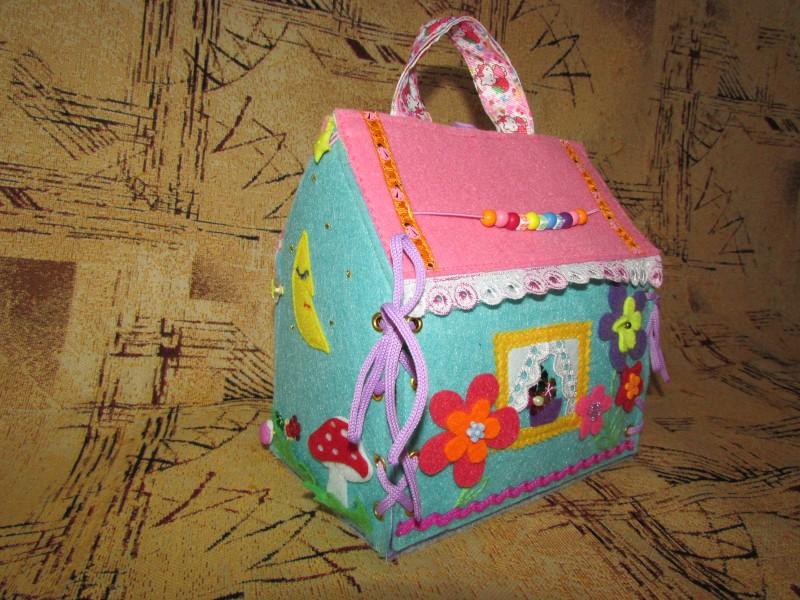 Домик-сумочка для кукол