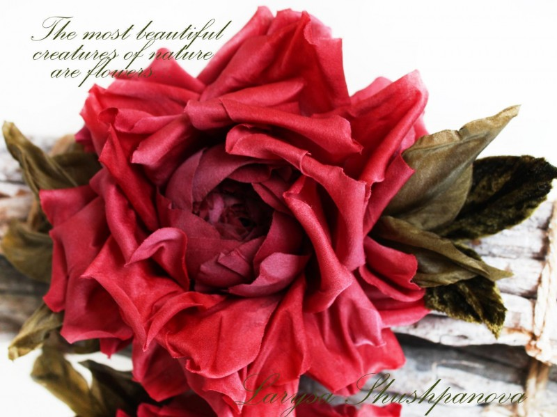 Брошь-заколка шелковая роза «Amour». Цветы из ткани