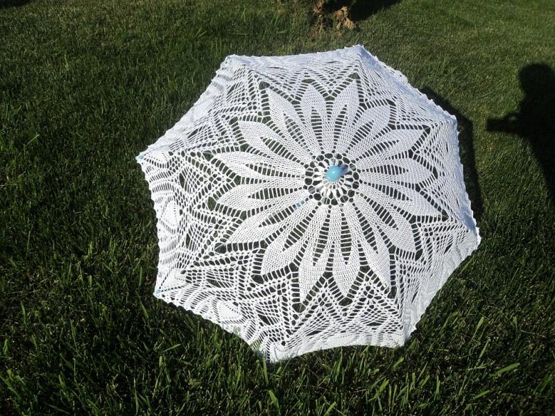 Вязаный кружевной зонт Бурное цветение
