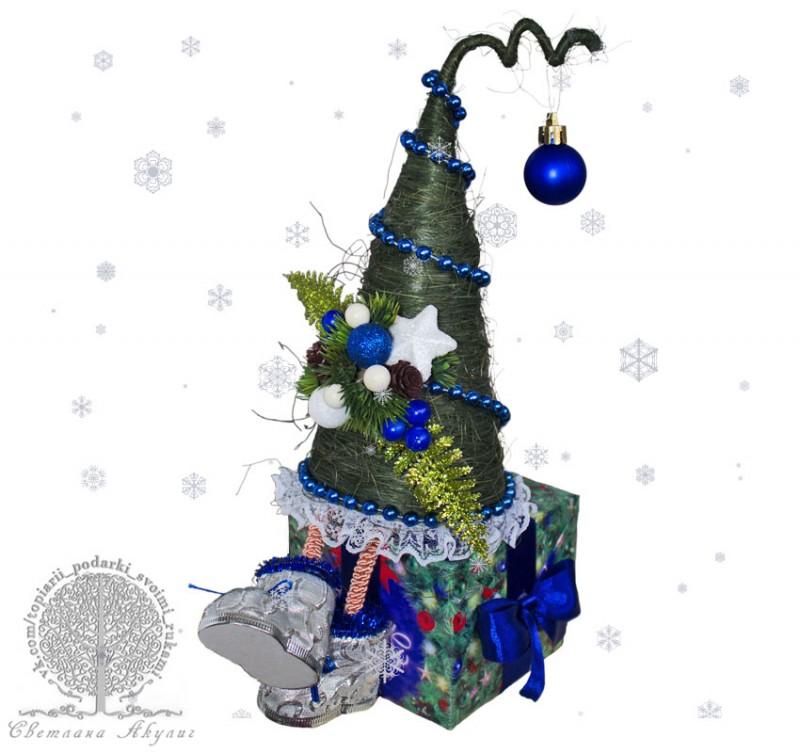 Елочка на подарке синяя