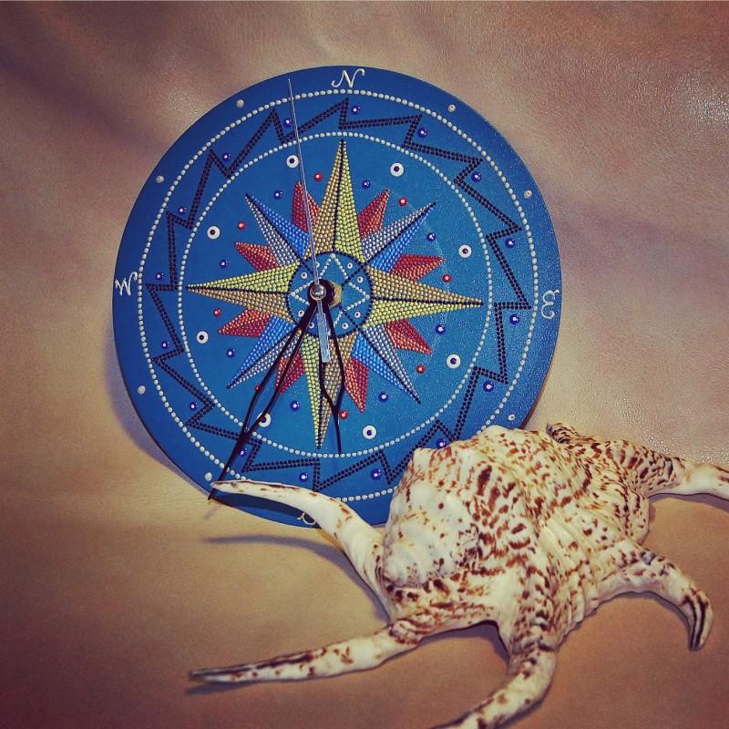 Часы Роза ветров