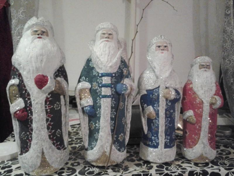 Новогодняя коллекция дедов морозов.