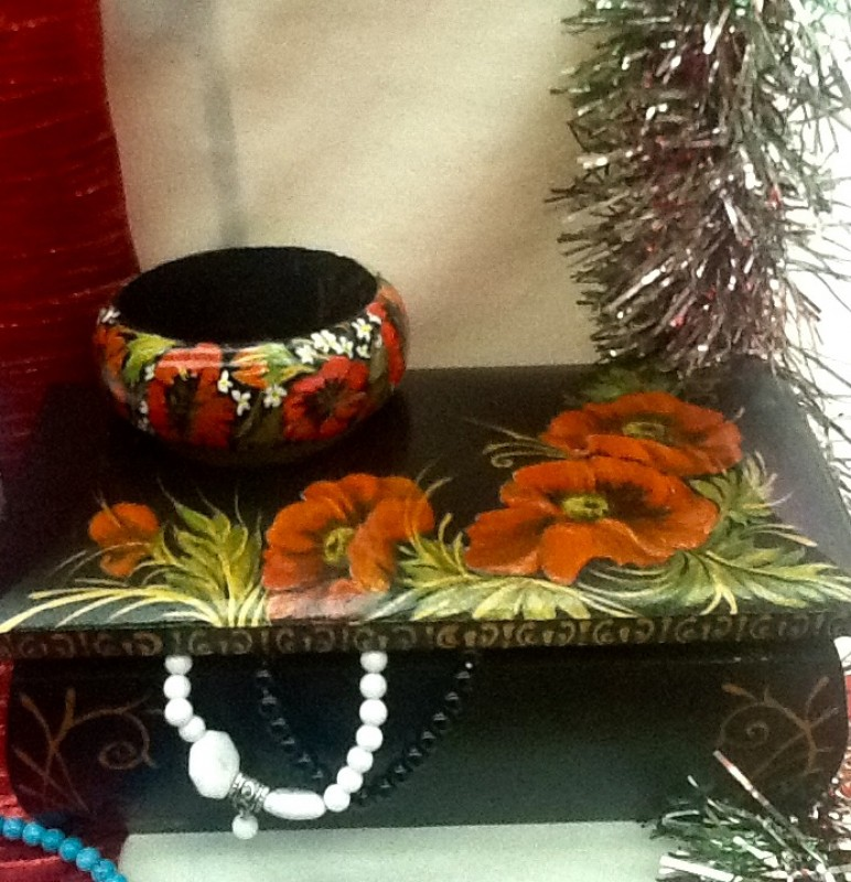 Шкатулка большая лаковая для украшений  Маков цвет