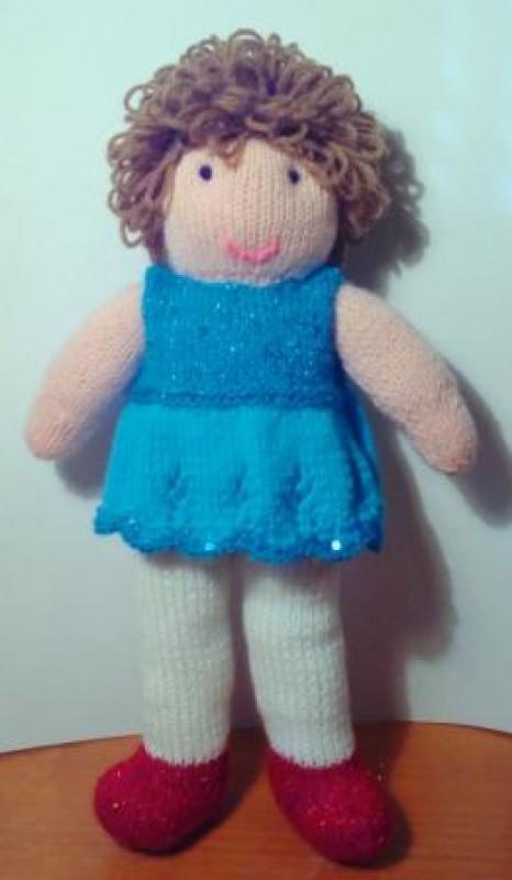 Вязаная кукла Кудряшка