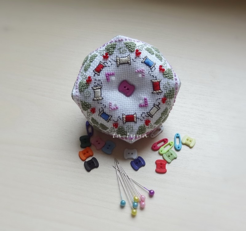 Игольница на швейную тематику