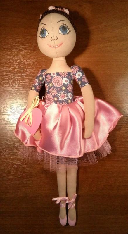 кукла танцовщица