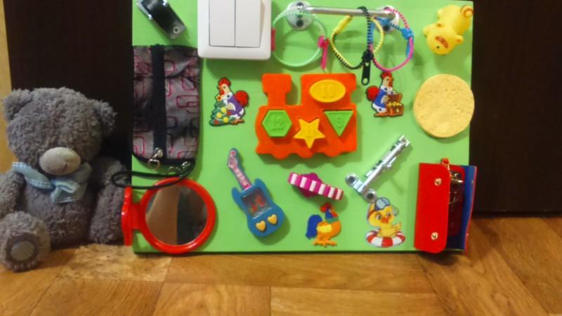 Развивающие игрушки для ребенка