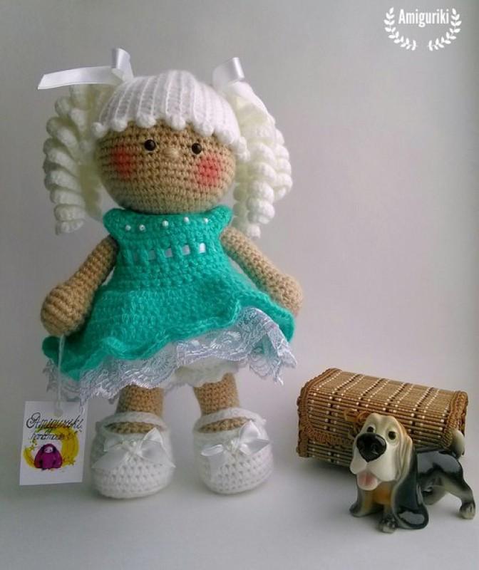 Куколка в бирюзовом платье