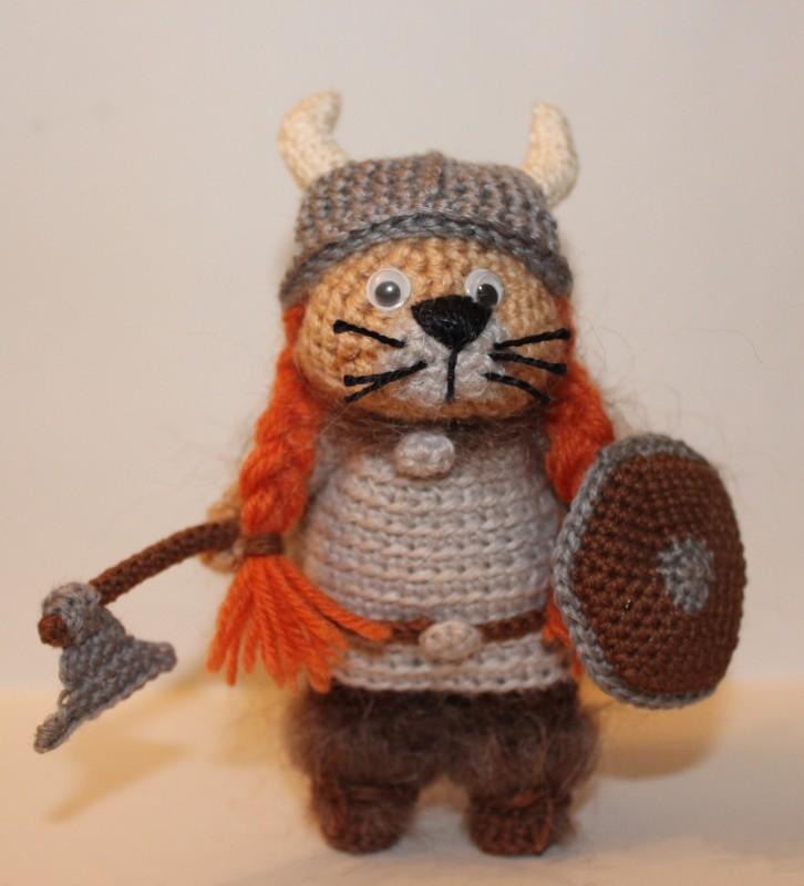 Кот викинг крючком