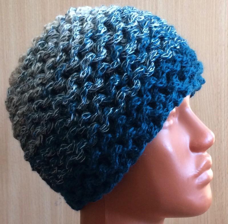Женская шапочка.