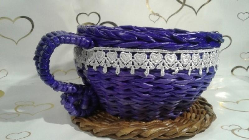 Плетеная конфетница