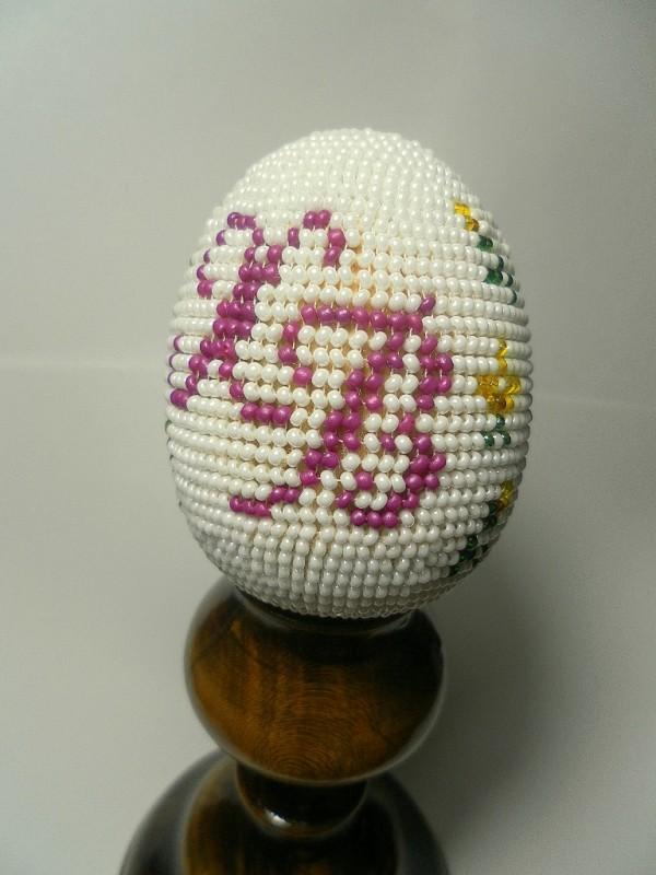 Пасхальное яйцо вышитое бисером Подсолнух