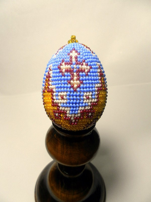 Пасхальное яйцо вышитое бисером.