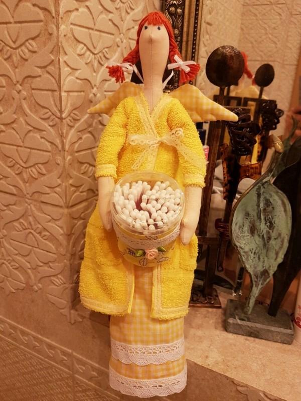 Кукла Тильда - ангел-хранитель два ватных дисков и ватных палочек.
