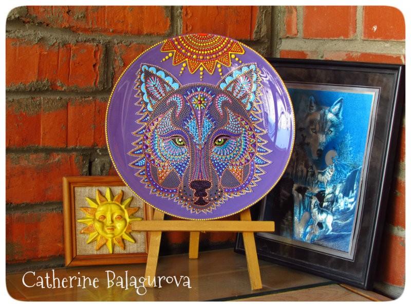 Тарелка стеклянная *Волк*, серия *Звери Солнца*