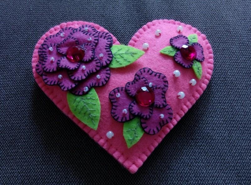 Сувенир - игрушка из фетра Сердце.