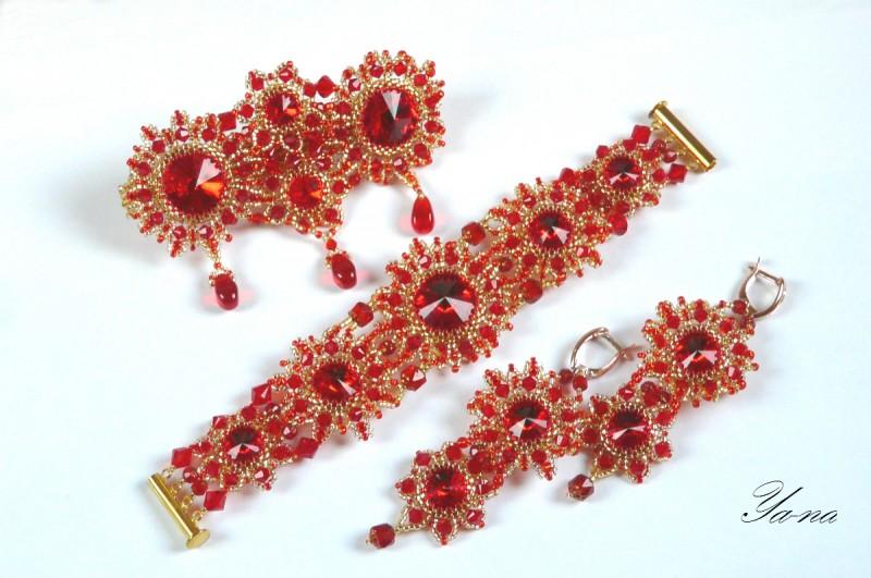 Комплект браслет , серьги и заколка из бисера Рубиновый луч.
