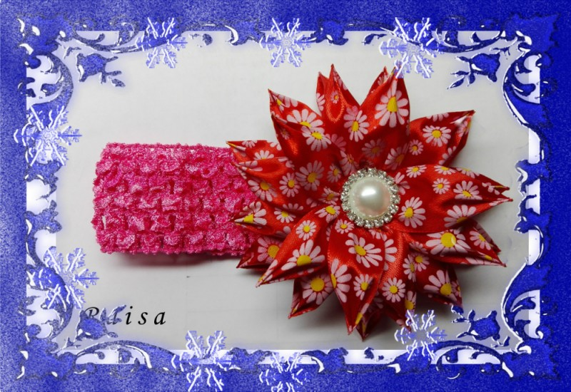 Цветок Марго на повязке в стиле канзаши.