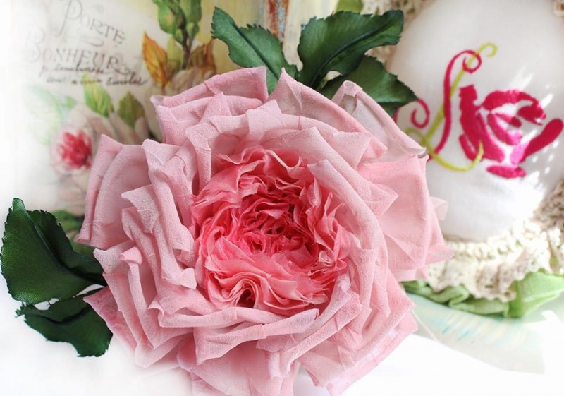 Брошь роза «Летний сон». Цветы из ткани