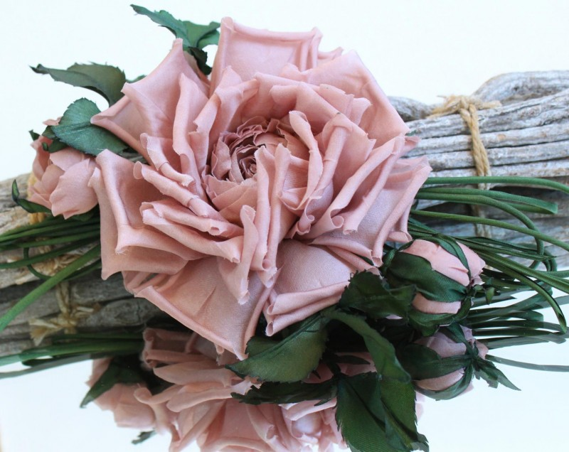 Роза из шелка. Цветы из ткани