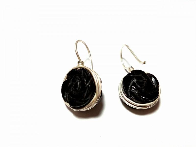 Серьги из серебра 925 пробы и бусин  чёрного агата-чёрная роза.