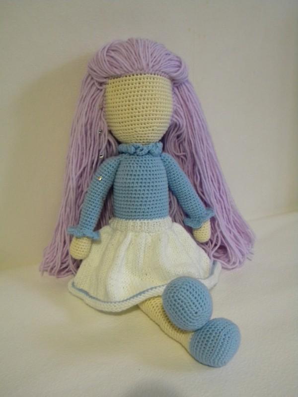 Кукла с роскошными волосами