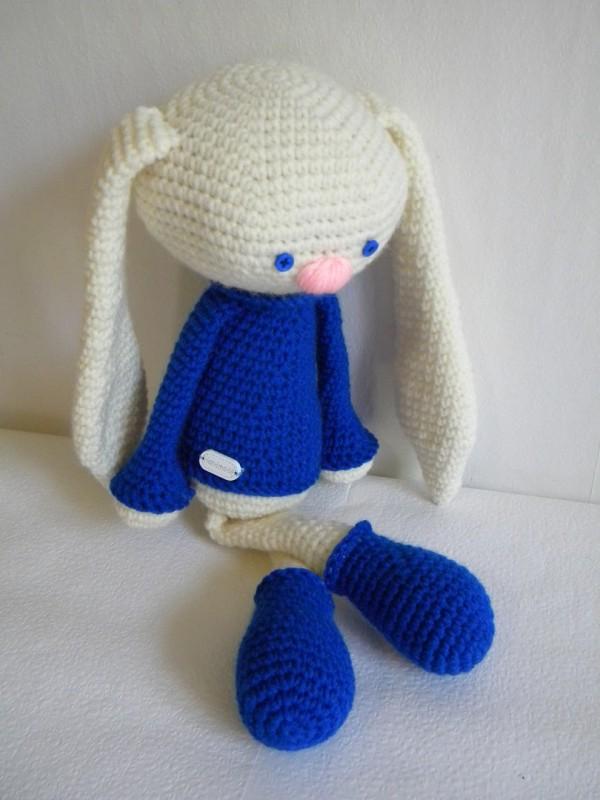 Заяц Труник в синем