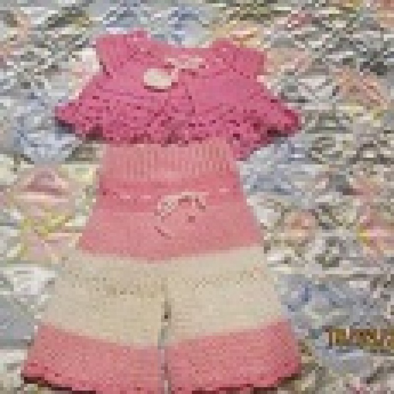 костюм на ребенка до 6 месяцев.