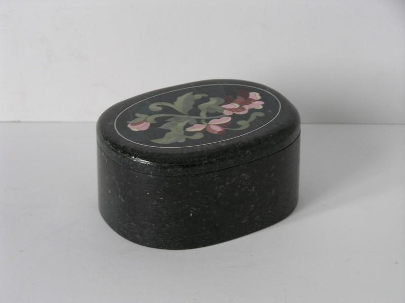 шкатулка овальная с флорентийской мозаикой
